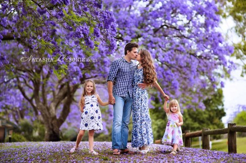 Family Photo session with jacaranda in Sydney